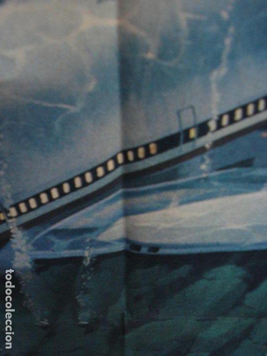 Cine: CDO 289 AEROPUERTO 77 JACK LEMMON CHRISTOPHER LEE POSTER ORIGINAL 70X100 ESTRENO - Foto 5 - 194681126