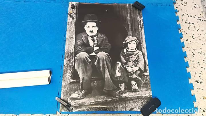 POSTER CHARLES CHAPLIN: EL NIÑO - AÑOS 80 - 100X70 CM APROX (Cine - Posters y Carteles - Comedia)