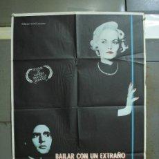 Cine: CDO 357 BAILAR CON UN EXTRAÑO MIRANDA RICHARDSON RUPERT EVERETT POSTER ORIGINAL 70X100 ESTRENO. Lote 195112125
