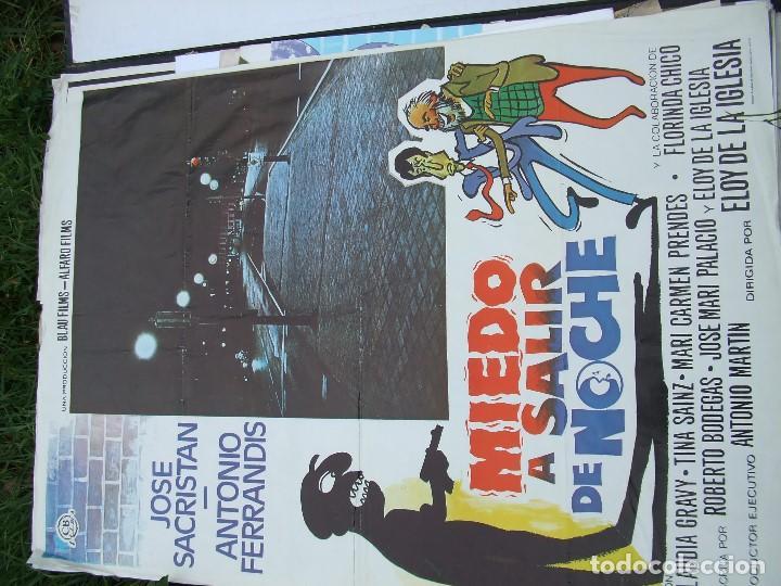 MIEDO A SALIR DE NOCHE DE ELOY DE LA IGLESIA POR SÓLO DOCE EUROS (Cine - Posters y Carteles - Clasico Español)
