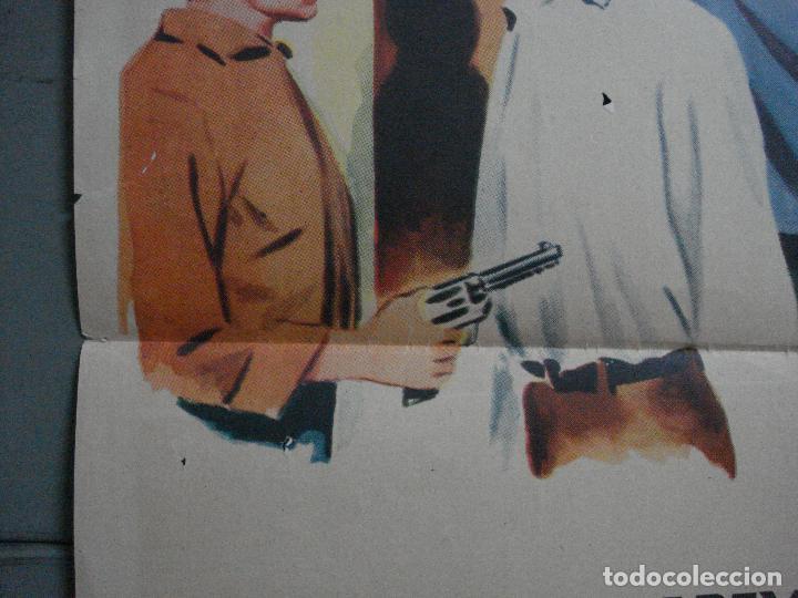 Cine: AAG41 UN EXTRAÑO A MI PUERTA MACDONALD CAREY PATRICIA MEDINA POSTER ORIGINAL 70X100 ESTRENO - Foto 7 - 196775396