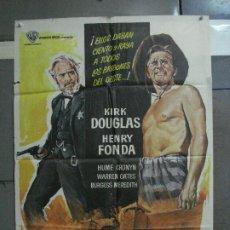 Cinema: CDO 691 EL DIA DE LOS TRAMPOSOS KIRK DOUGLAS HENRY FONDA MANKIEWICZ POSTER ORIGINAL 70X100 ESTRENO. Lote 197340468