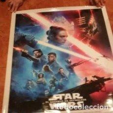 Cine: STAR WARS EL ASCENSO DE SKAYWALKER MEDIDA : 68 ANCHURA Y 98 ALTURA CM . ORIGINAL DEL CINE. Lote 198668666