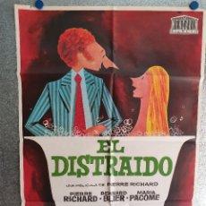 Cinema: EL DISTRAIDO. PIERRE RICHARD, BERNARD BLIER, MARIA PACOME. POSTER ORIGINAL. Lote 199654422