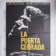 Cine: ANTIGUO CARTEL CINE LA PUERTA CERRADA + 9 FOTOCROMOS 1972 CC70. Lote 201209196