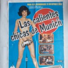 Cine: ANTIGUO CARTEL CINE LAS CHICAS CALIENTES DE MUNICH + 10 FOTOCROMOS 1980 CC72. Lote 201209700