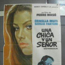 Cine: CDO 1790 UNA CHICA Y UN SEÑOR ORNELLA MUTI PEDRO MASO POSTER ORIGINAL 70X100 ESTRENO. Lote 202343796