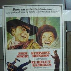 Cine: CDO 1922 EL RIFLE Y LA BIBLIA JOHN WAYNE KATHARINE HEPBURN POSTER ORIGINAL 70X100 ESTRENO. Lote 203040120