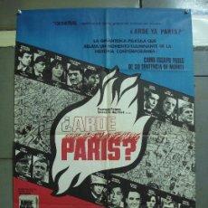 Cine: CDO 2325 ARDE PARIS BELMONDO DELON DOUGLAS POSTER ORIGINAL 70X100 ESTRENO. Lote 204054355