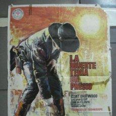 Cine: AAH66 LA MUERTE TENIA UN PRECIO CLINT EASTWOOD SERGIO LEONE MAC POSTER ORIGINAL 70X100 ESTRENO. Lote 204255075