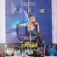 Cine: ANTIGUO CARTEL CINE LA PASION DE CHINA BLUE + 12 FOTOCROMOS 1985 CC205. Lote 204372026