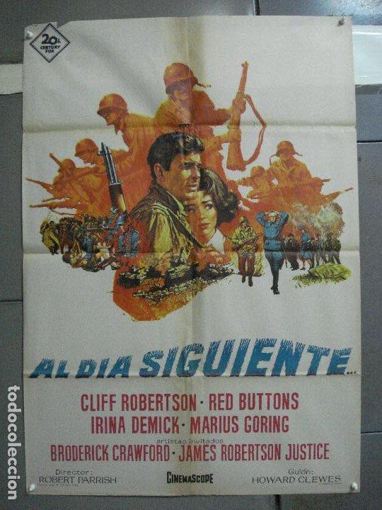 CDO 2498 AL DIA SIGUIENTE CLIFF ROBERTSON RED BUTTONS POSTER ORIGINAL 70X100 ESTRENO (Cine - Posters y Carteles - Bélicas)