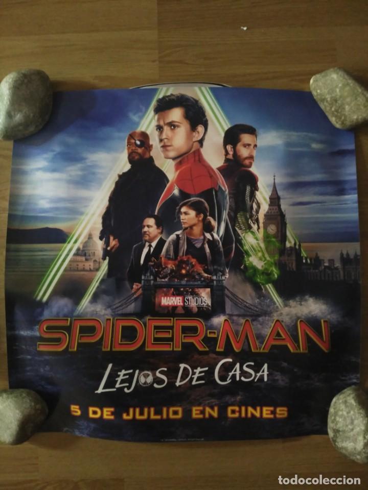 SPIDERMAN LEJOS DE CASA - APROX 50X70 ADHESIVO ORIGINAL CINE (A2) (Cine - Posters y Carteles - Acción)