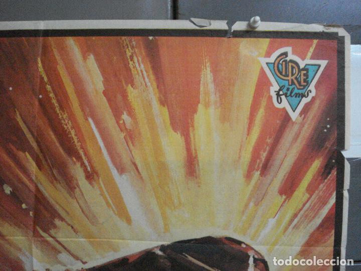 Cine: CDO 2526 OVNI Ufo los diablos rojos atacan la tierra GERY ANDERSON POSTER ORIGINAL 70X100 ESTRENO - Foto 6 - 205668061