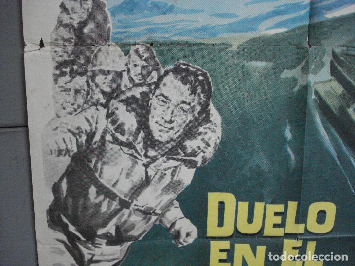 Cine: CDO 2527 DUELO EN EL ATLANTICO ROBERT MITCHUM CURD JURGENS POSTER ORIGINAL 70X100 ESTRENO - Foto 4 - 205668506