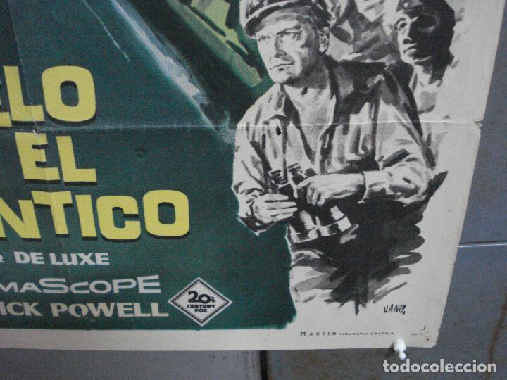 Cine: CDO 2527 DUELO EN EL ATLANTICO ROBERT MITCHUM CURD JURGENS POSTER ORIGINAL 70X100 ESTRENO - Foto 9 - 205668506