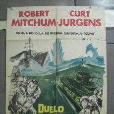 Cine: CDO 2527 DUELO EN EL ATLANTICO ROBERT MITCHUM CURD JURGENS POSTER ORIGINAL 70X100 ESTRENO. Lote 205668506