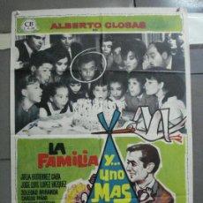 Cine: CDO 2586 LA FAMILIA Y UNO MAS ALBERTO CLOSAS SOLEDAD MIRANDA MAC POSTER ORIGINAL 70X100 ESTRENO. Lote 205687503
