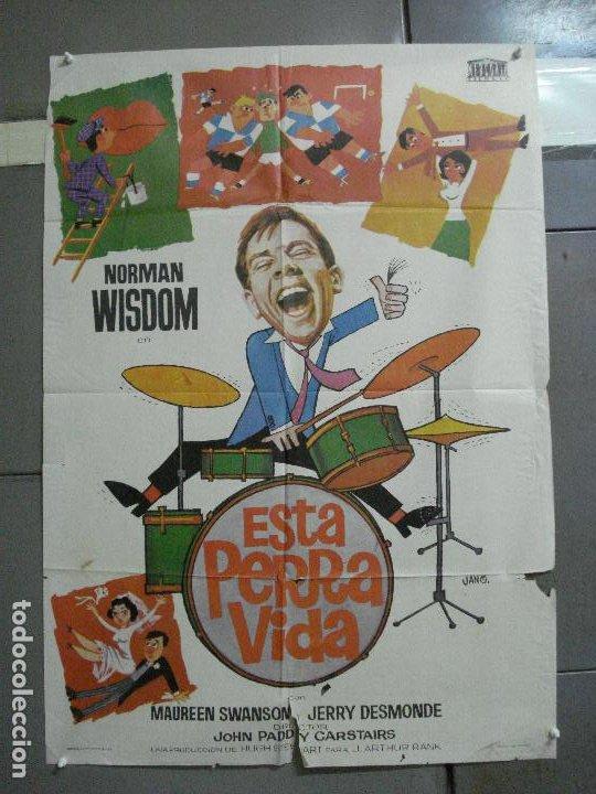 CDO 2793 ESTA PERRA VIDA NORMAN WISDOM FUTBOL POSTER ORIGINAL 70X100 ESTRENO (Cine - Posters y Carteles - Comedia)