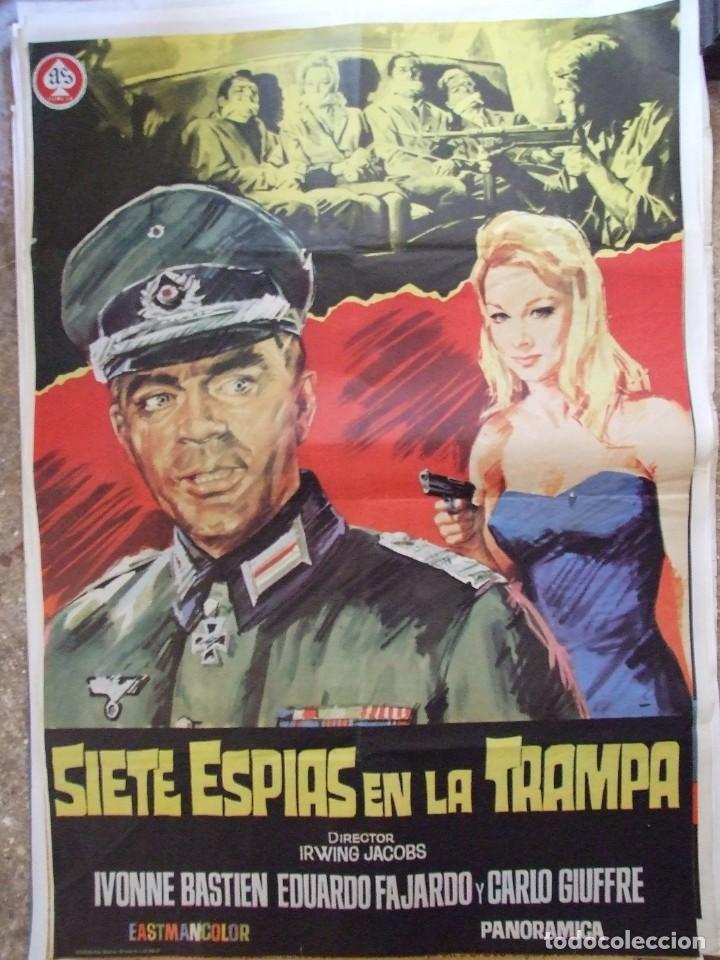 CARTEL ORIGINAL DE CINE - SIETE ESPIAS EN LA TRAMPA 100X70CM BUEN ESTADO (Cine - Posters y Carteles - Acción)