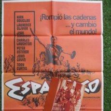 Cine: CARTEL CINE + 10 FOTOCROMOS ESPARTACO KIRK DOUGLAS 1981 CCF55. Lote 206984717