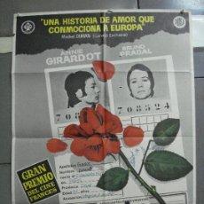 Cine: CDO 2830 MORIR DE AMOR ANNIE GIRARDOT POSTER ORIGINAL 70X100 ESTRENO. Lote 207217708