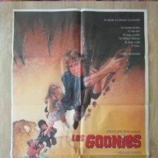 Cine: CARTEL ORIGINAL ESTRENO CINES EN ESPAÑA PELÍCULA LOS GOONIES. (THE GOONIES). AÑO: 1985.. Lote 207556726