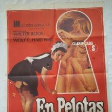 Cine: PÓSTER ORIGINAL EN PELOTAS Y A LO LOCO. Lote 208041022