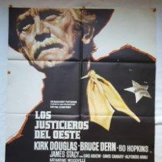 Cine: PÓSTER ORIGINAL LOS JUSTICIEROS DEL OESTE KIRK DOUGLAS BRUCE DEN BE HOPKINS. Lote 209144642