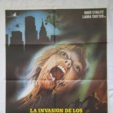Cine: PÓSTER ORIGINAL LA INVASIÓN DE LOS ZOMBIES ATÓMICOS. Lote 209823572
