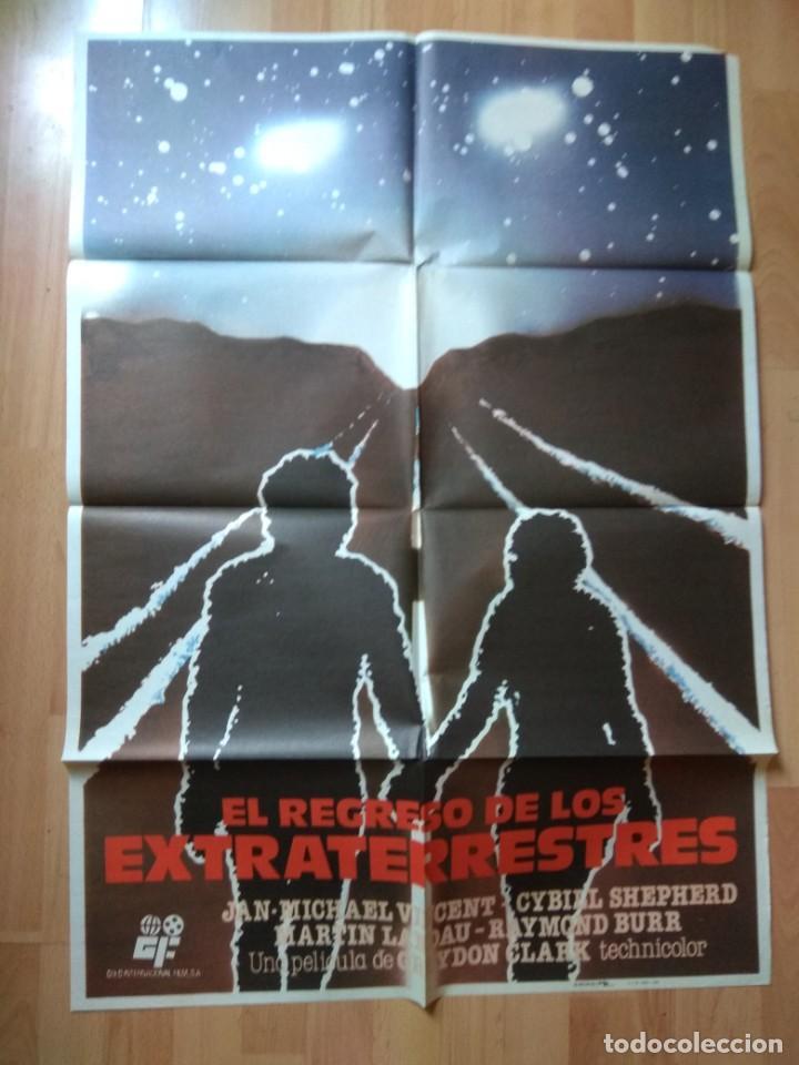 POS-2-POSTER DE LA PELICULA-- EL REGRESO DE LOS EXTRATERRESTRES (Cine - Posters y Carteles - Aventura)