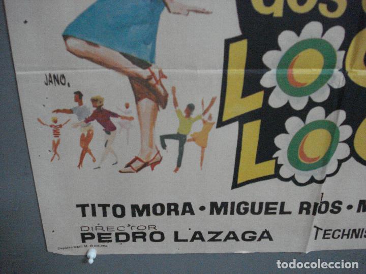 Cine: CDO 4042 DOS CHICAS LOCAS LOCAS PILI Y MILI MIGUEL RIOS PEDRO LAZAGA JANO POSTER ORIG 70X100 ESTRENO - Foto 5 - 211678726