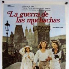 Cine: LA GUERRA DE LAS MUCHACHAS (ALF BRUSTELLIN). CARTEL ORIGINAL DEL ESTRENO (1977).. Lote 211729710