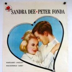 Cine: TAMMY Y EL DOCTOR (SANDRA DEE Y PETWR FONDA). CARTEL ORIGINAL DE LA PELÍCULA (1963).. Lote 211731420
