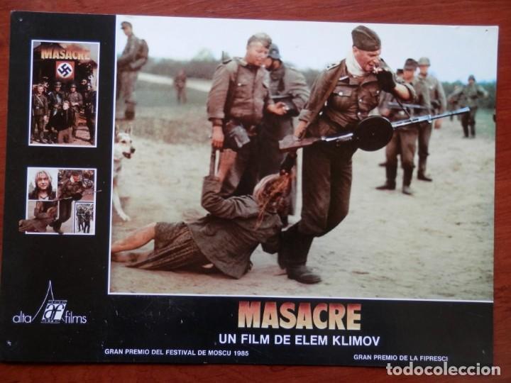 LOBBY CARD - MASACRE - 34 X 24 CENTÍMETROS (Cine - Posters y Carteles - Comedia)