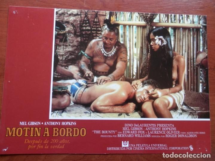 2 LOBBY CARD - MOTÍN A BORDO - 34 X 24 CENTÍMETROS (Cine - Posters y Carteles - Comedia)