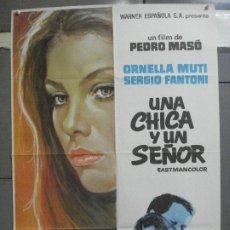 Cine: CDO 4644 UNA CHICA Y UN SEÑOR ORNELLA MUTI PEDRO MASO POSTER 70X100 ESTRENO. Lote 212984765