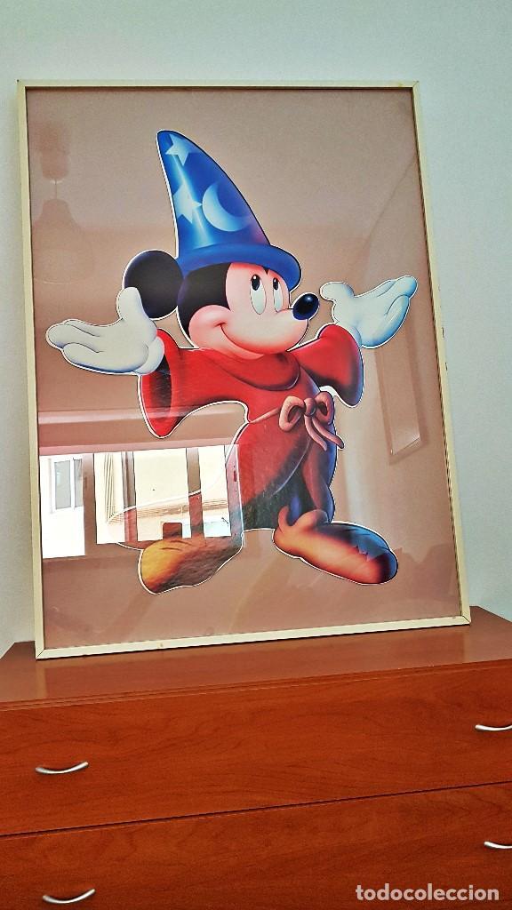 Cine: Cuadro de Mickey Mouse. Medidas Alto 103, Ancho 83 y fondo 3.Cartel de cartón duro poquísimas unidad - Foto 3 - 213199446