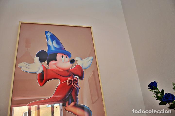Cine: Cuadro de Mickey Mouse. Medidas Alto 103, Ancho 83 y fondo 3.Cartel de cartón duro poquísimas unidad - Foto 5 - 213199446