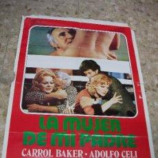 Cine: LA MUJER DE MI PADRE AÑOS 80 CARROL BAKER ADOLFO CELI CARTEL DE CINE 100 X 70 CM. POSTER ITALIA. Lote 213354118