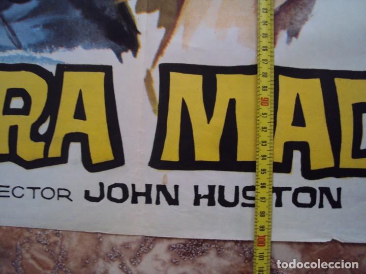 Cine: (CINE-380)EL TESORO DE SIERRA MADRE. JOHN HUSTON-HUMPHREY BOGART. CARTEL ORIGINAL 1964 - Foto 3 - 213490260
