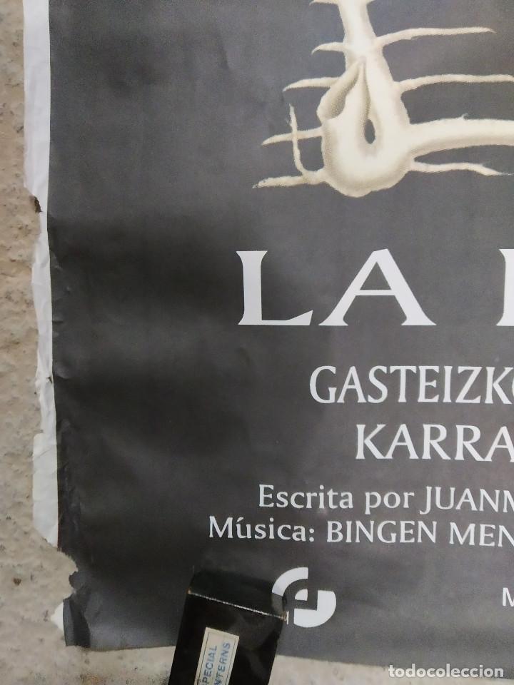 Cine: La madre muerta. Karra Elejalde, Ana Álvarez, Silvia Marsó, Juanma Bajo Ulloa. POSTER. 140 X 100 - Foto 4 - 213645707