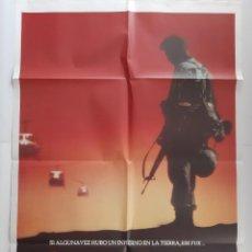 Cine: ANTIGUO CARTEL CINE LA COLINA DE LA HAMBURGUESA + 8 FOTOCROMOS CC-252. Lote 214090352