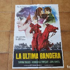 Cinéma: POSTER CARTEL LA ULTIMA BANDERA (100 X 70 CMS. APROX.) 1977 + 10 FOTOCROMOS (34 X 24 CMS.). Lote 216547371