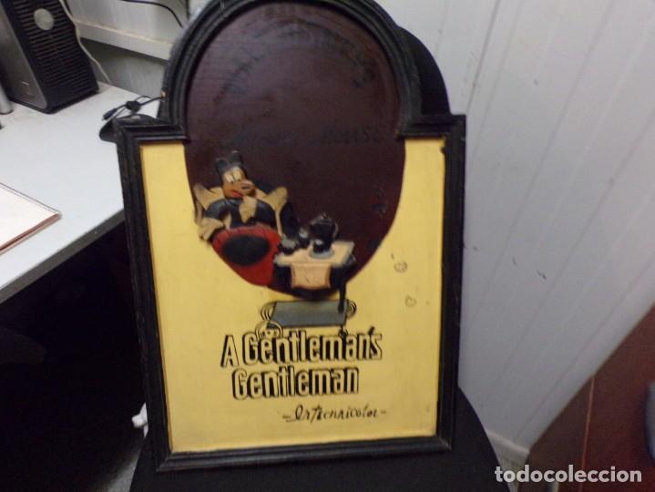 MUY ANTIGUO CARTEL DE CINE DE MADERA WALT DISNEY MICKEY MOUSE GENTLEMAN (Cine - Posters y Carteles - Infantil)