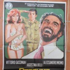 Cine: GRAN CARTEL DE CINE PERFUME DE MUJER.UN FILM DE DINO RISI. CON VITTORIO GASSMAN. 1975. Lote 218221272