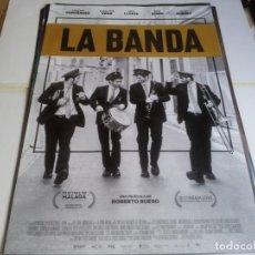 Cine: LA BANDA - GONZALO FERNÁNDEZ, CHARLOTTE VEGA, CARLO BLANCO - CARTEL ORIGINAL MOVISTAR AÑO 2019. Lote 219316188