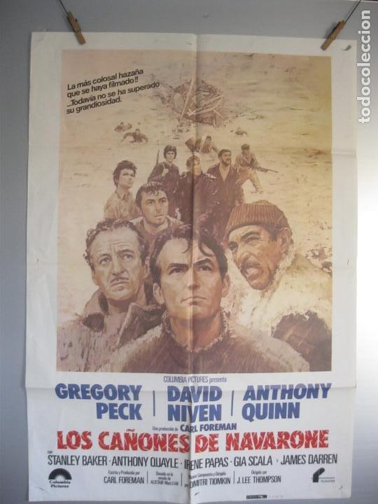 LOS CAÑONES DE NAVARONE -- CARTEL DE CINE ORIGINAL AÑOS 80 TAMAÑO 70X100 FOT ADICI.DEL ESTADO (Cine - Posters y Carteles - Bélicas)