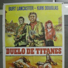 Cine: CDO 6375 DUELO DE TITANES BURT LANCASTER KIRK DOUGLAS POSTER ORIGINAL 70X100 ESPAÑOL R-83. Lote 221815508