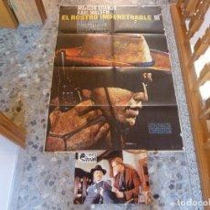Cine: POSTER DIBUJADO POR MAC + 4 POSTALES DE LA MISMA PELICULA. Lote 222049000